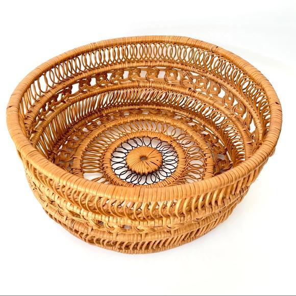 Vintage 70s Wicker Woven Basket